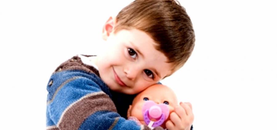 Mio figlio gioca con le bambole - A letto con mio figlio ...